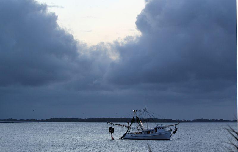 FishingEMBoatCloudsT2i_0398