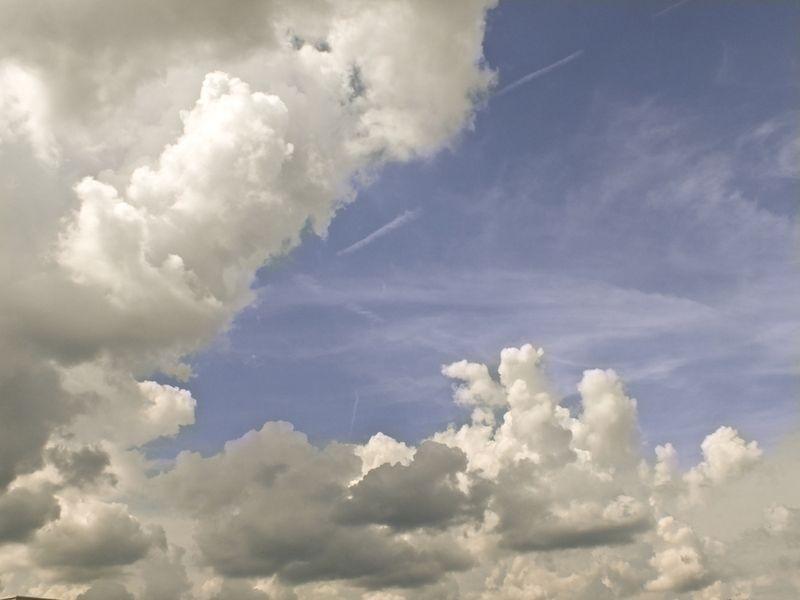 CloudsEM3DublinFuji_1071