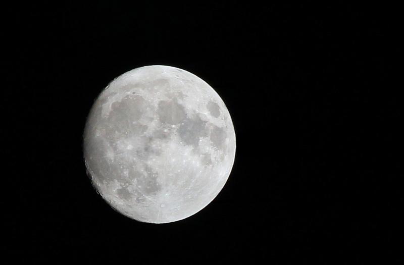 Moon3Oct11T2i_0660